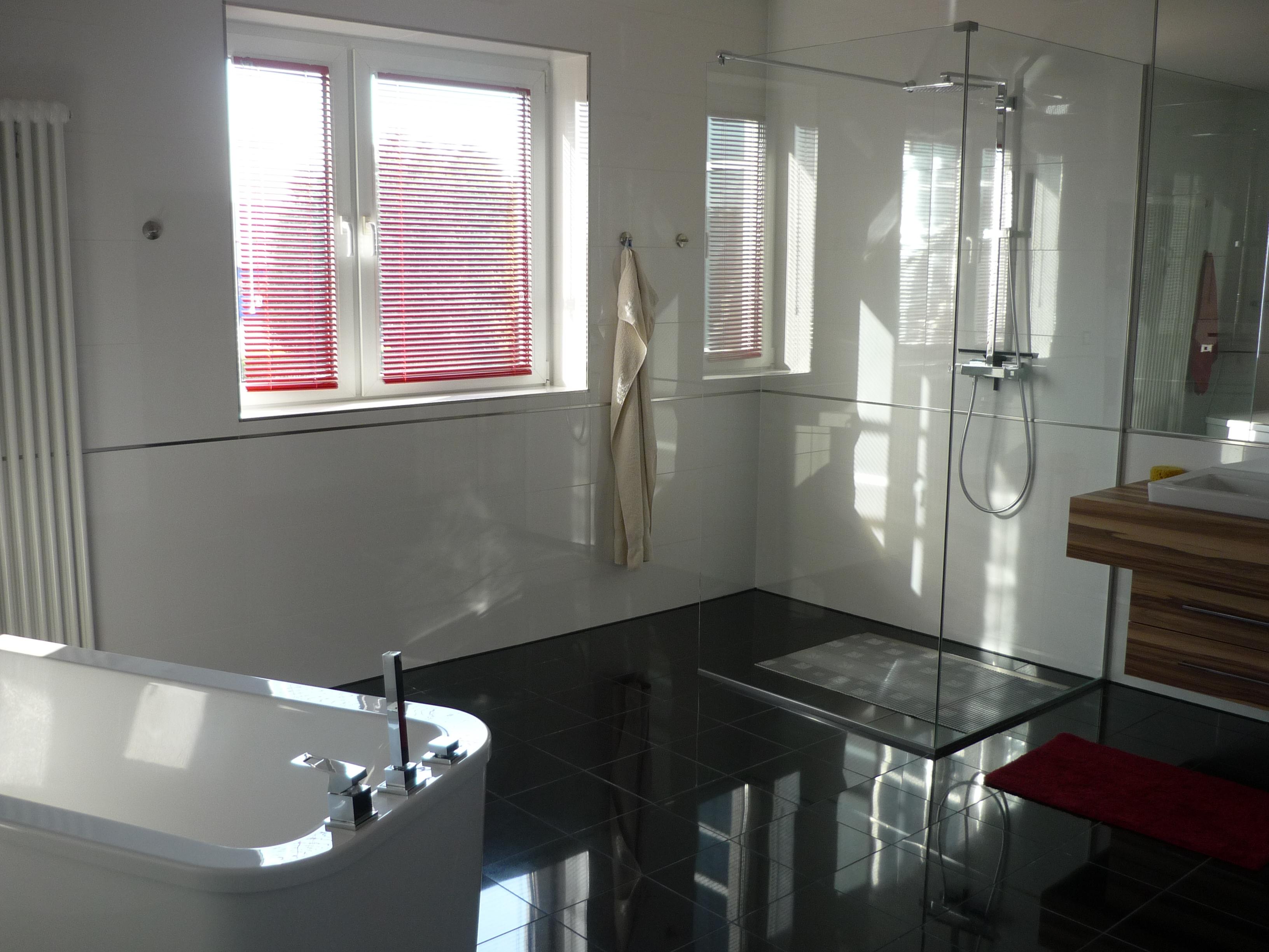 Modernes Designer-Bad im Loft-Apartments in Rostock